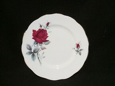 Royal Albert - SWEET ROMANCE - Bread and Butter Plate