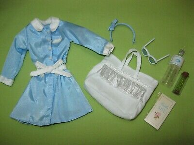 Barbie SILKSTONE Doll Fashion SPA GETAWAY Salon Robe Tote Bag Accessories OUTFIT