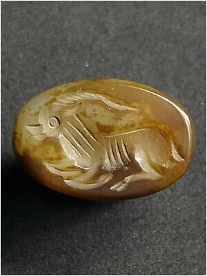 Absgr.very nice and old agate intaaglio bead