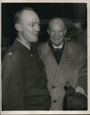 1969 Press Photo President Dwight Eisenhower greets his son during inauguration