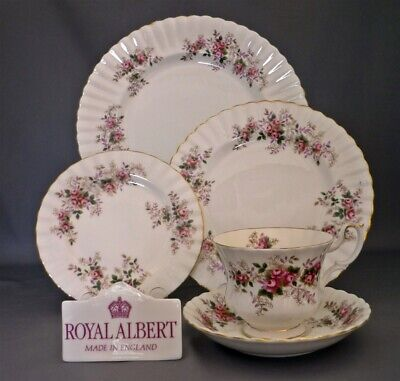 Royal Albert England Lavender Rose Pattern Bone China 5 Piece Place Setting (s)