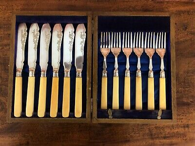 Vintage 12 Piece Fish Knives & Fork Set - Electro Plated J & W Deakin 1918 Boxed