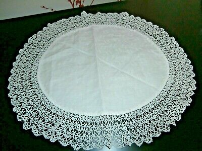 """VICTORIAN WHITE COTTON DAMASK with HAND CROCHET LACE OVAL DOILY 14"""" x 12"""""""