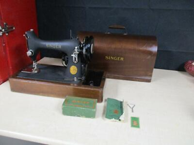 1939 Antique Singer-Model 99 Sewing Machine+Extras - Excellent Condition