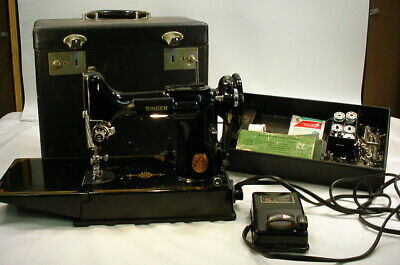 Antique Singer Featherweight 3-120 Sewing Machine with Case Model 221