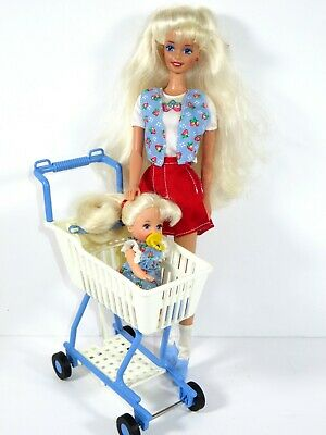 #762 Dressed Barbie Doll 1995 Shoppin' Fun With Kelly Set