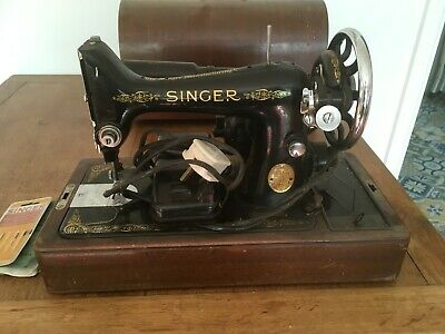 Vintage Singer Black Sewing Machine in Wooden Carry Case Electric Instructions