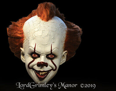 NEW Officially Licensed  IT - Pennywise Deluxe Edition Mask Killer Clown Horror