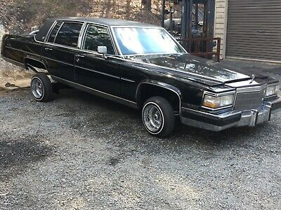 1986 Cadillac Fleetwood lowrider sedan V8 auto Great promotional or Cruser