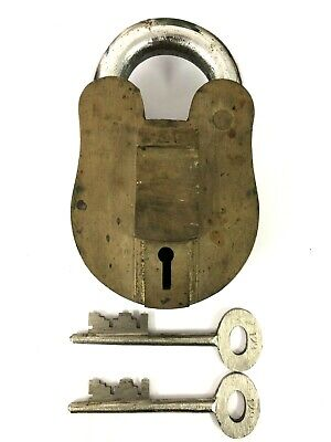 Vintage Old Solid Brass Padlock Lock Key 3lbs Shackle Heavy Collectible Antique