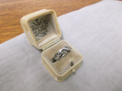 A VINTAGE BAKELITE   RING BOX and 925 SILVER RING