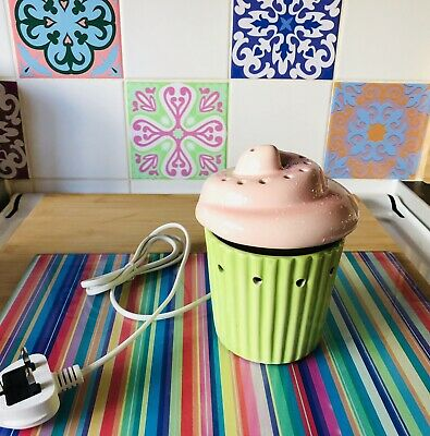 Limited Edition Scentsy Cupcake Wax Warmer Collectable Lights Up.