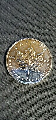 2010 Canadian 5 Dollar 1oz Pure Silver Coin .9999 Pure Silver Maple Leaf