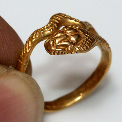 MUSEUM QUALITY CELTIC GOLD SNAKE RING CIRCA 300-100 BC - 22 Carats
