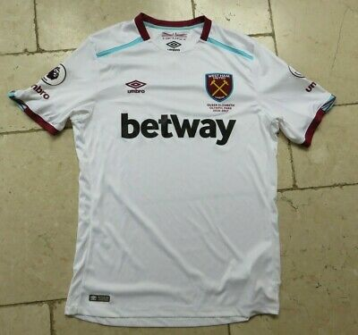 2016-2017 West Ham Away Football Shirt White Maroon trim Umbro Betway Large L