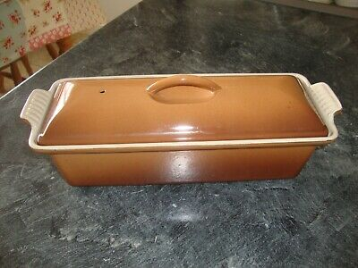 LE CREUSET  TERRINE 28cms,,WITH LID,