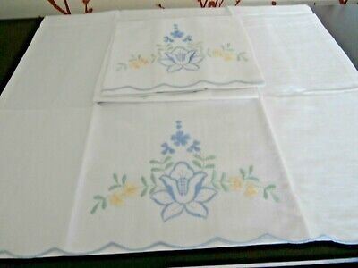PAIR of VINTAGE 100% WHITE COTTON with EMBROIDERY PILLOW CASES