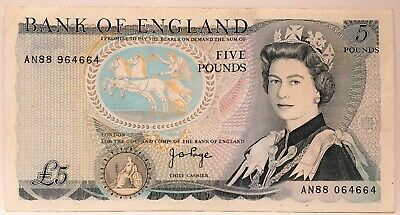 Great Britain 1973. 5 Pounds . Collector's Misprint . Mis-Matched Serials..rare