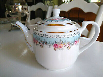 VINTAGE Tatung Taiwan RARE China PINK ROSES Victorian style blue FLORAL TEAPOT