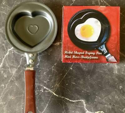 2x Mini Herz-Bratpfanne Herzpfanne Liebes-Pfanne Heart Shaped Frying Pan Ø 12 cm