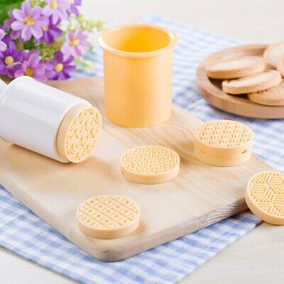 6PCS DIY Christmas Cookie Stamp Biscuit Mold Cookie Plunger Cutter Baking Mould