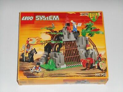 Vintage 1993 LEGO 6076 Dragon Masters DARK DRAGON'S DEN Castle Box Set Complete