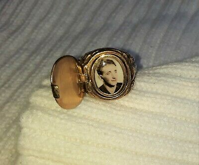 Historic Antique WW2 German Gold Picture Locket Ring Original Photograph WWII