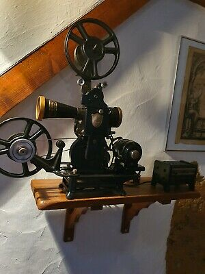 PROJECTEUR PATHE baby