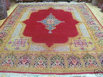 AN AMAZING OLD HANDMADE TRADITIONAL ORIENTAL CARPET (380 x 300 cm)