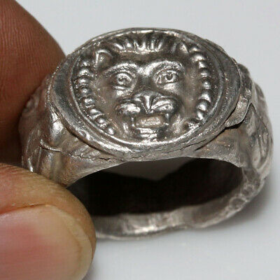 Unique-Circa 500-300 Bc Ancient Greek Massive Silver Ring With Lion And Panther