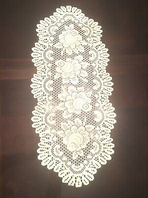 White Lace Oval Table Runner Dresser Scarf Doily Floral Scallop Trim EUC