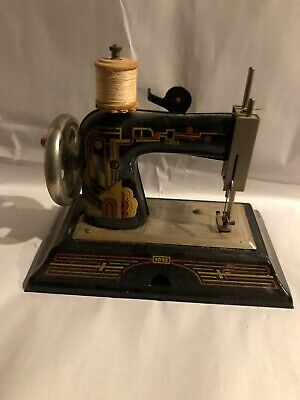 Vintage Casige Western Germany British Zone Hand Crank Sewing Machine 1025