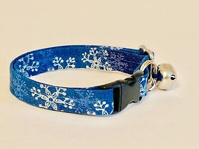 SNOWFLAKES ON BLUE CAT OR KITTEN COLLAR (you choose the size)