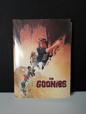 Vintage 1985 THE GOONIES Original Press Kit w/ 15 B&W Photos Spielberg movie