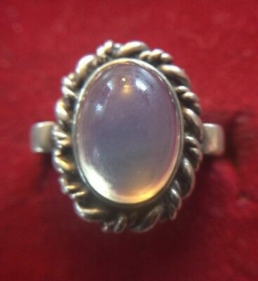 Pretty Antique 800er Silver Ring with Bright Stone