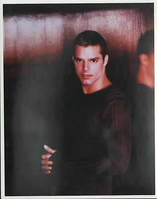 GLOSSY PHOTO PICTURE 8x10 Ricky Martin Singing In The Microphone