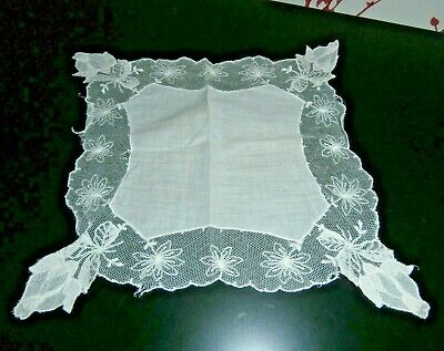 VICTORIAN FINE  WHITE COTTON with EMBROIDERED LACE LADIES HANDKERCHIEF