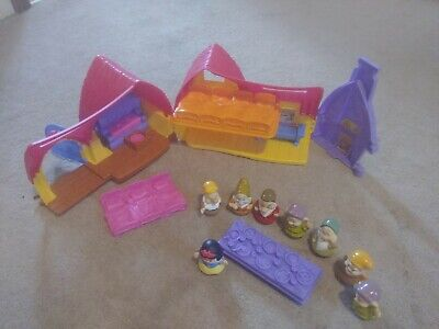 Fisher Price Little People Snow White & The Seven Dwarfs Musical Cottage 2012