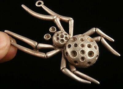 Unique Chinese Tibet Silver Pendant Statue Animal Spider Handicraft Mascot Gift