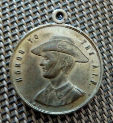 Honor To The A.i.f  Anzac Day 1918  Medal