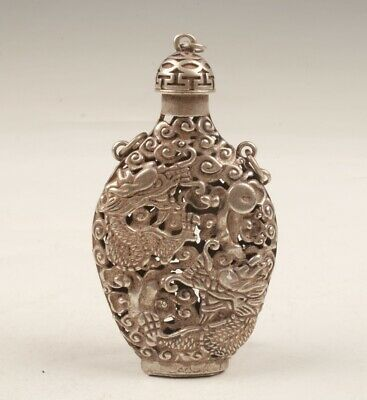 China Tibetan Silver Hand Carving Dragon Snuff Bottle Pendant Gift Collec