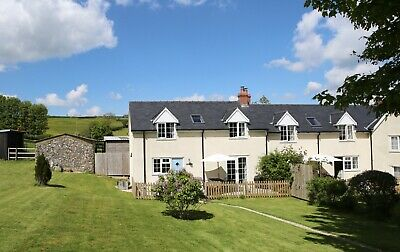 Bluebell Cottage, Somerset Holiday Cottage with Llamas Sat 15- Sat 21 Feb week.