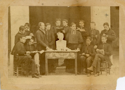 Ecole catholique - photo de groupe  Vintage albumen print.  Tirage albuminé