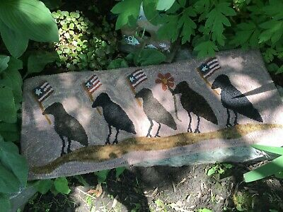 Primitive Hooked Rug Pattern On Linen ~ 5 Little Crows