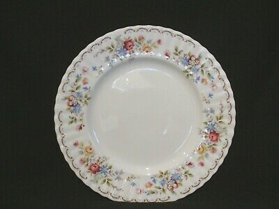 Royal Albert - JUBILEE ROSE - Dinner Plate