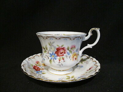 Royal Albert - JUBILEE ROSE - Teacup & Saucer