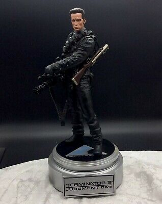 Terminator Judgement Day T-800 Sideshow Collectibles Figurine Cyberdyne Systems