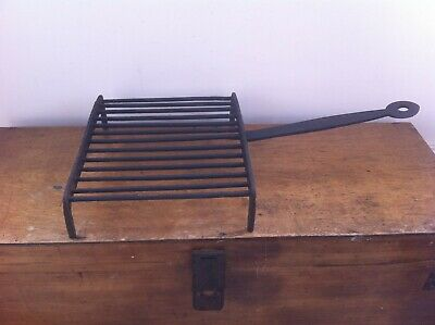 DECORATIVE 19th CENTURY DEVONSHIRE WROUGHT IRON DOWN HEARTH GRIDIRON 17.5 inch