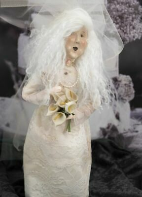2019 Byers Choice Witch with Dead Roses New Hair Design Spooky Halloween Caroler