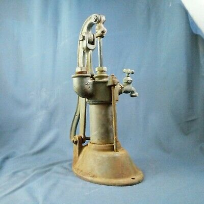 Antique VTG Hand Pitcher Well Pump - cast iron. Functional